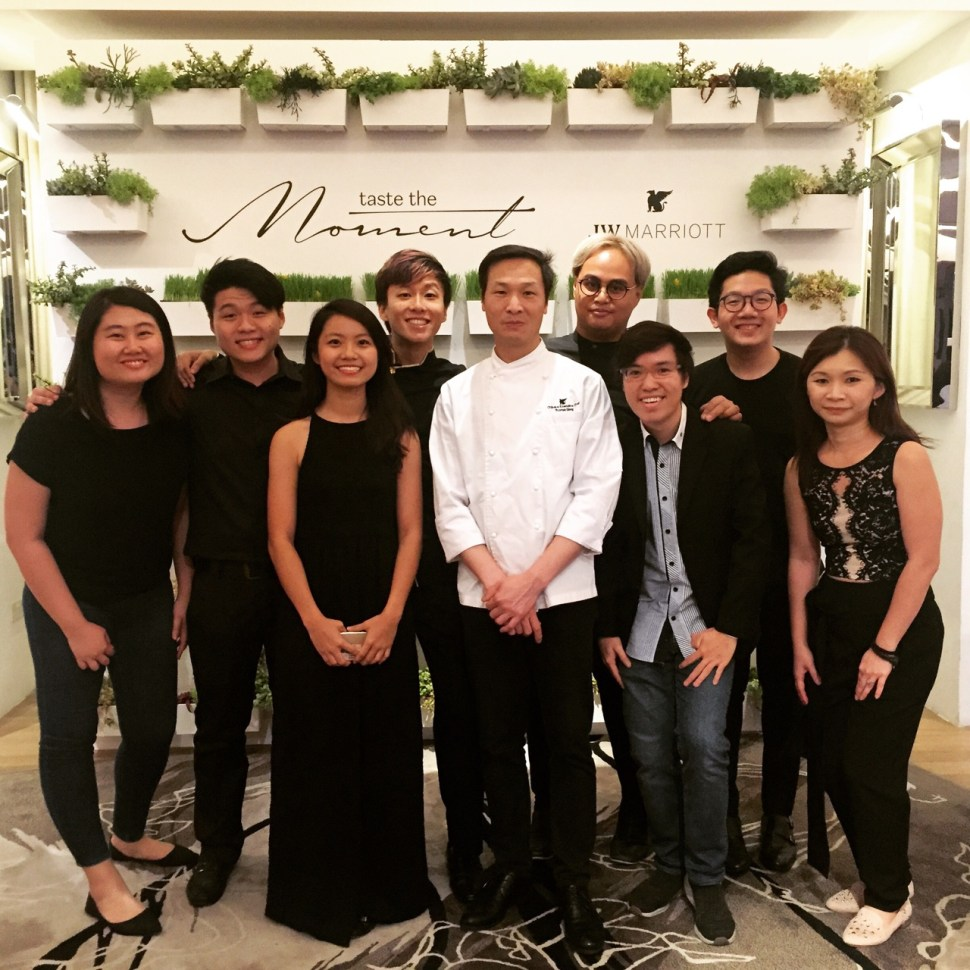 JW Marriott Taste the Moment_Vocalise_Lok Ensemble Group shot with Chef Liang.jpg