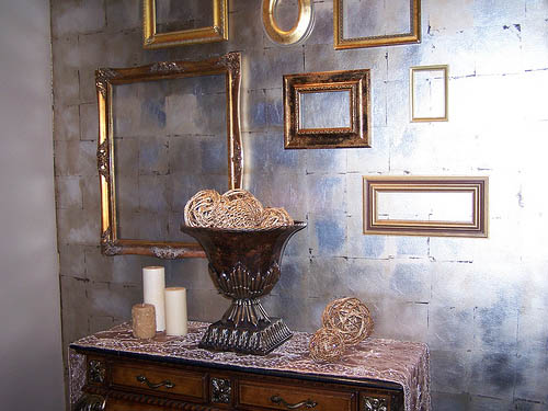 golden-antique-picture-frames-wall-decoration-ideas