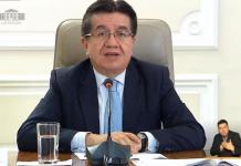 Ministro de Salud Fernando Ruíz.