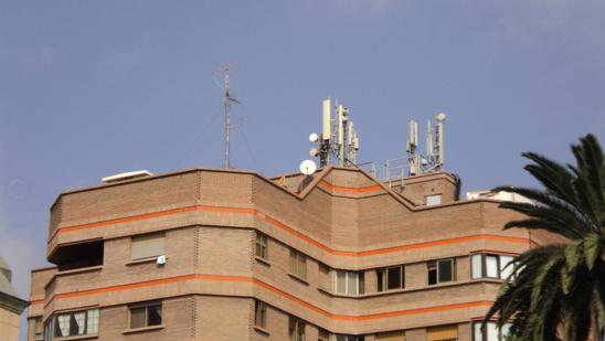 antenas-edificio-parque