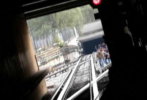 Falla linea 7-metro-El Rosario