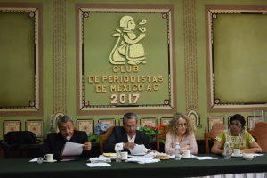 Conferencia encabezada por el Dr. Rodolfo Ondarza. Foto de Éder Zárate