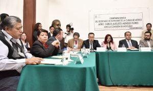 Comparecencia del titular de SEMOVI, Carlos Augusto Meneses Flores, con diputados locales. Foto. ALDF
