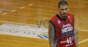 Ángel Daniel Vassallo anotó uno de los canastos cruciales del encuentro.