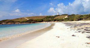 La Playuela, cerca del Faro Los Morrillos, es uno de los lugares más visitados de Cabo Rojo.