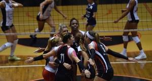 Las Leonas de Ponce lideran el Grupo B de los cuartos de final. (Facebook / Federación Puertorriqueña de Voleibol)