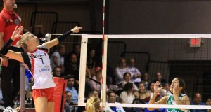 Gina Mancuso aportó 13 puntos en la victoria de las Leonas. (Facebook / Ponce Leonas Voleibol Superior)