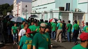 Piquete frente a la oficina comercial de la AAA en el centro de Ponce. (Facebook / Luis A. Vélez Torres)