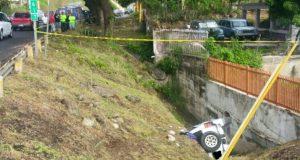 La fémina transitaba por la carretera PR-149, en dirección de Juana Díaz a Villalba, cuando perdió el control del volante.