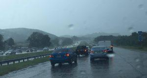 Las lluvias han provocado una gran congestión vehicular en el expreso 52.