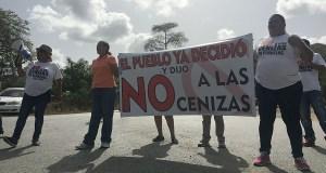 La comunidad de Tallaboa en Peñuelas lucha contra el depósito de cenizas de carbón en su comunidad. (Voces del Sur)