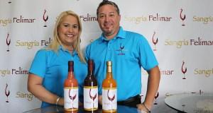 Los esposos Natasha Feliciano y Josué Márquez son los creadores de Sangría Felimar. (Voces del Sur)