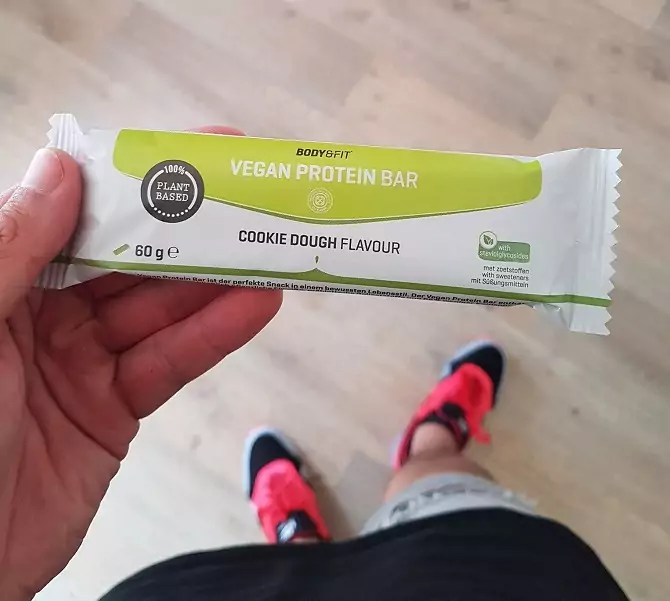 vegan protein bar review body en fitshop