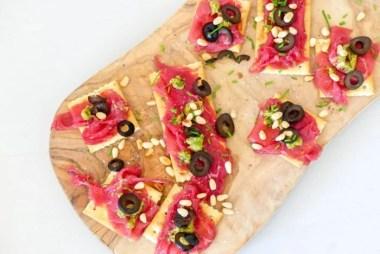 crackers met carpaccio