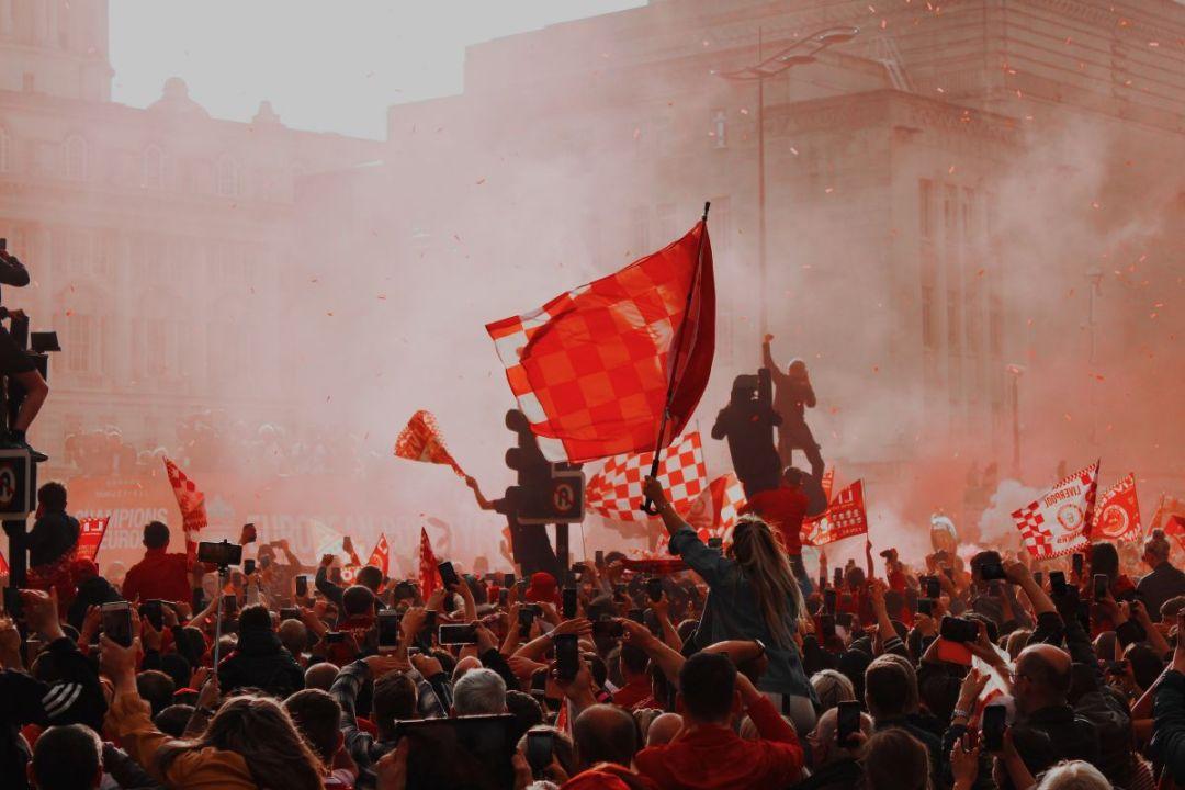 Liverpool fans vieren de Champions League winst uit 2019.