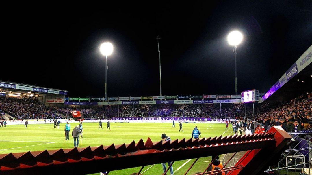 Opkomst bij VFL Osnabrück tegen HSV, het werd een legendarische avond door de reus HSV met 2-1 te verslaan.