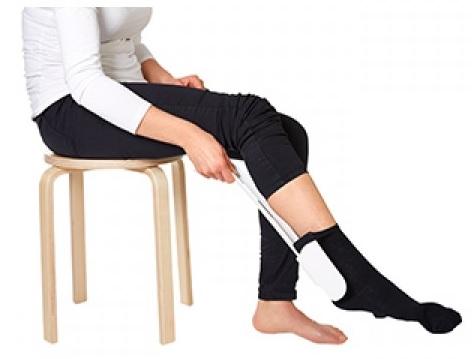 Обуване на чорапи с обувалка
