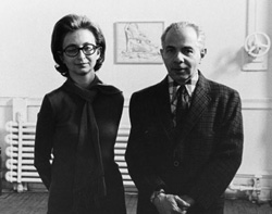 Dorothy and Herbert Vogel at The Clocktower with a drawing by Philip Pearlstein behind them, 1975. Photograph by Nathaniel Tileston. © Nathaniel Tileston, 2008.