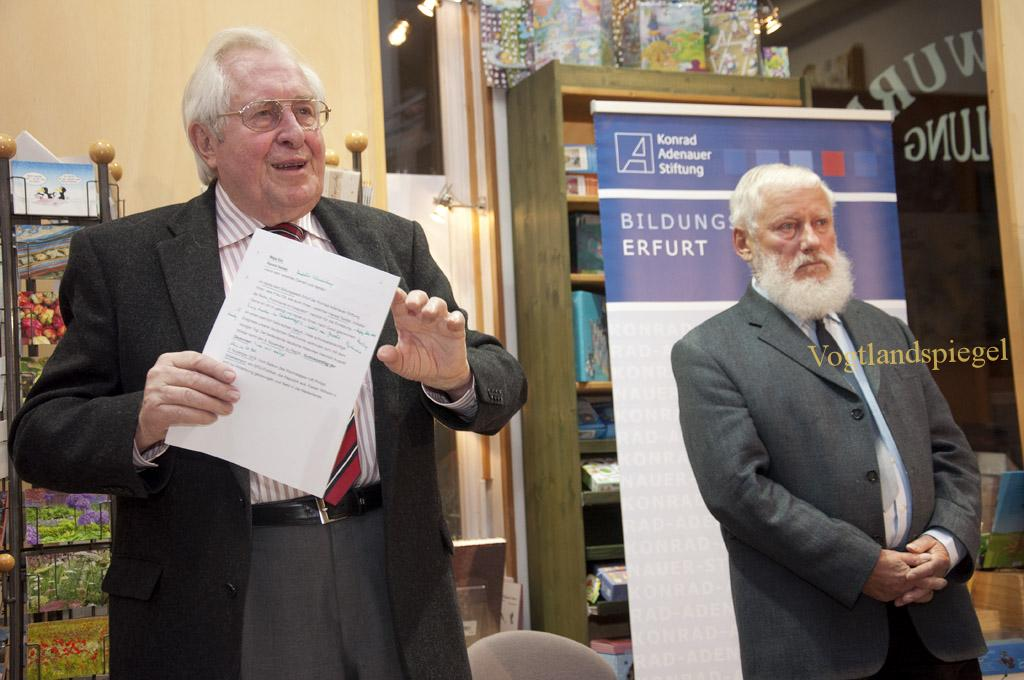 Prof. Dr. Bernhard Vogel, Ministerpräsident a.D., Ehrenvorsitzender der Konrad-Adenauer-Stiftung bei Prominente im Gespräch