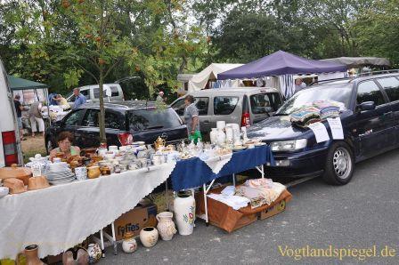Trotz tropischer Temperaturen zog Lunziger Markt Tausende an
