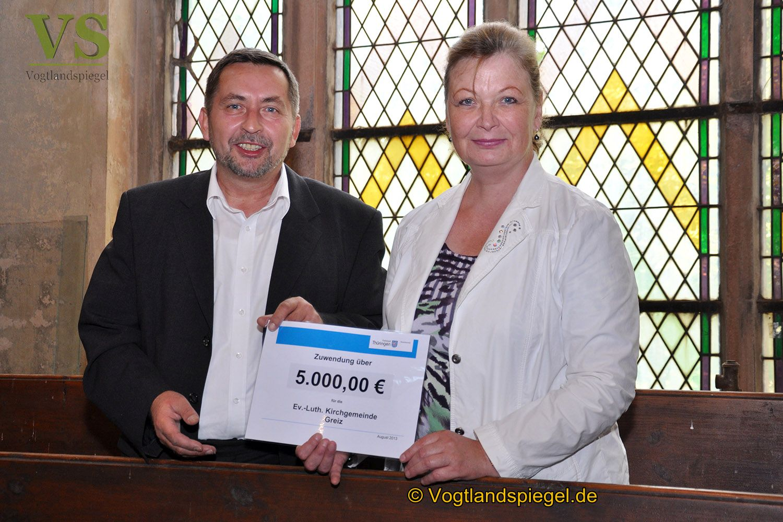 Greizer Landrätin übergibt Lottomittel für Pohlitzer Kirche