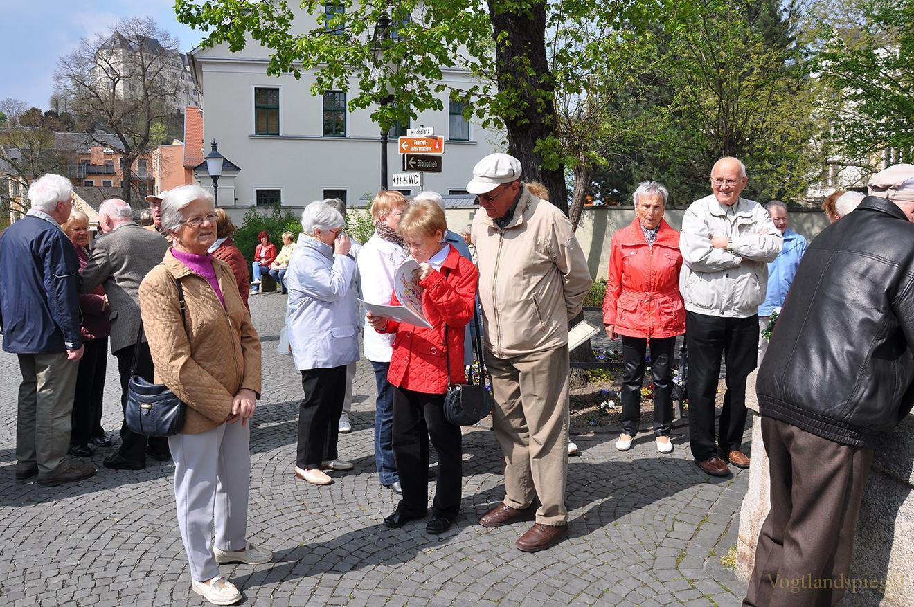Die Stadt Greiz hat wieder einen Osterbrunnen
