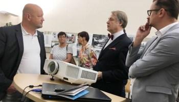 Greizer CDU beeindruckt von Zeitzeugnissen im Staatsarchiv
