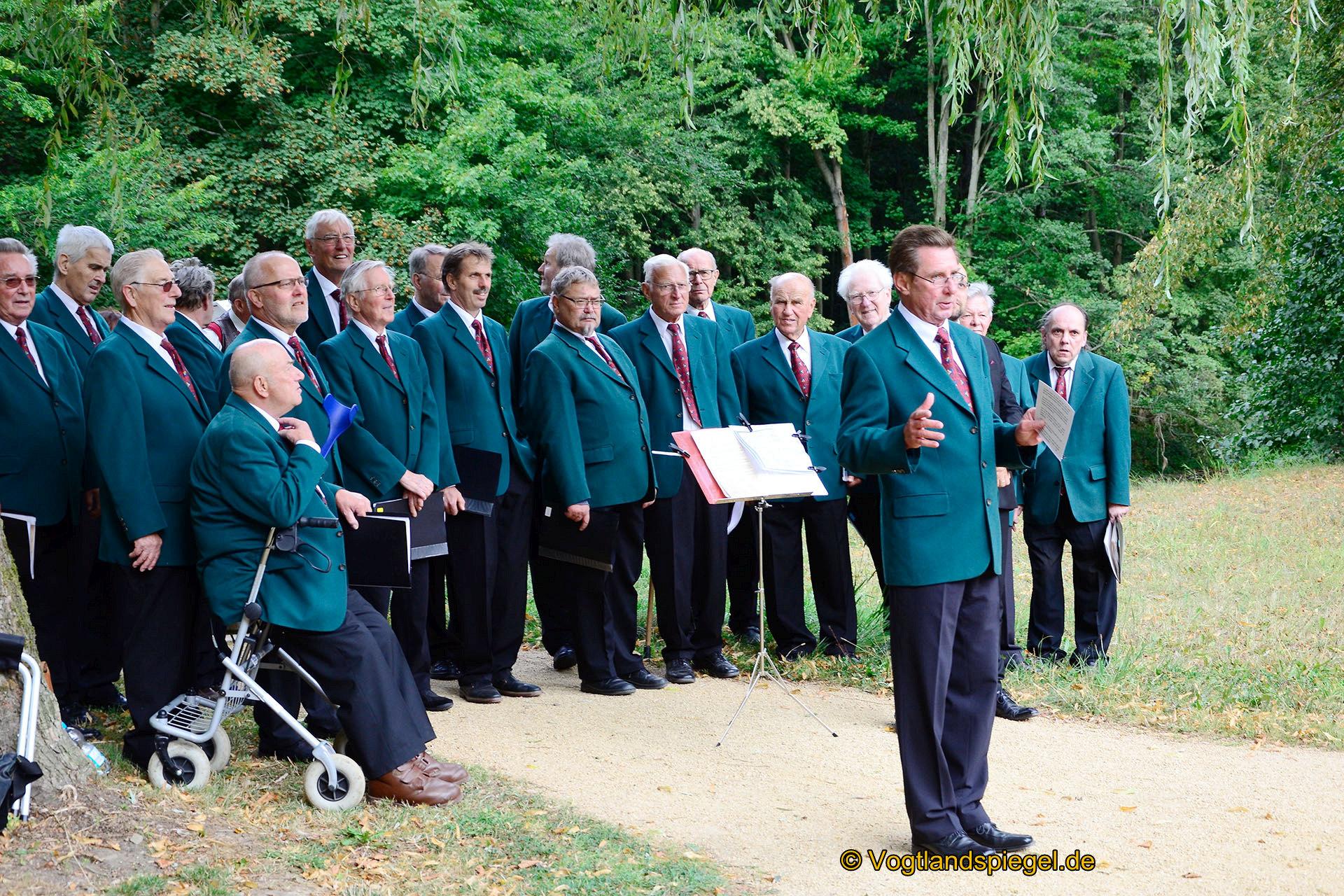Männerchorgemeinschaft Greiz lud zum musikalischen Parkspaziergang ein