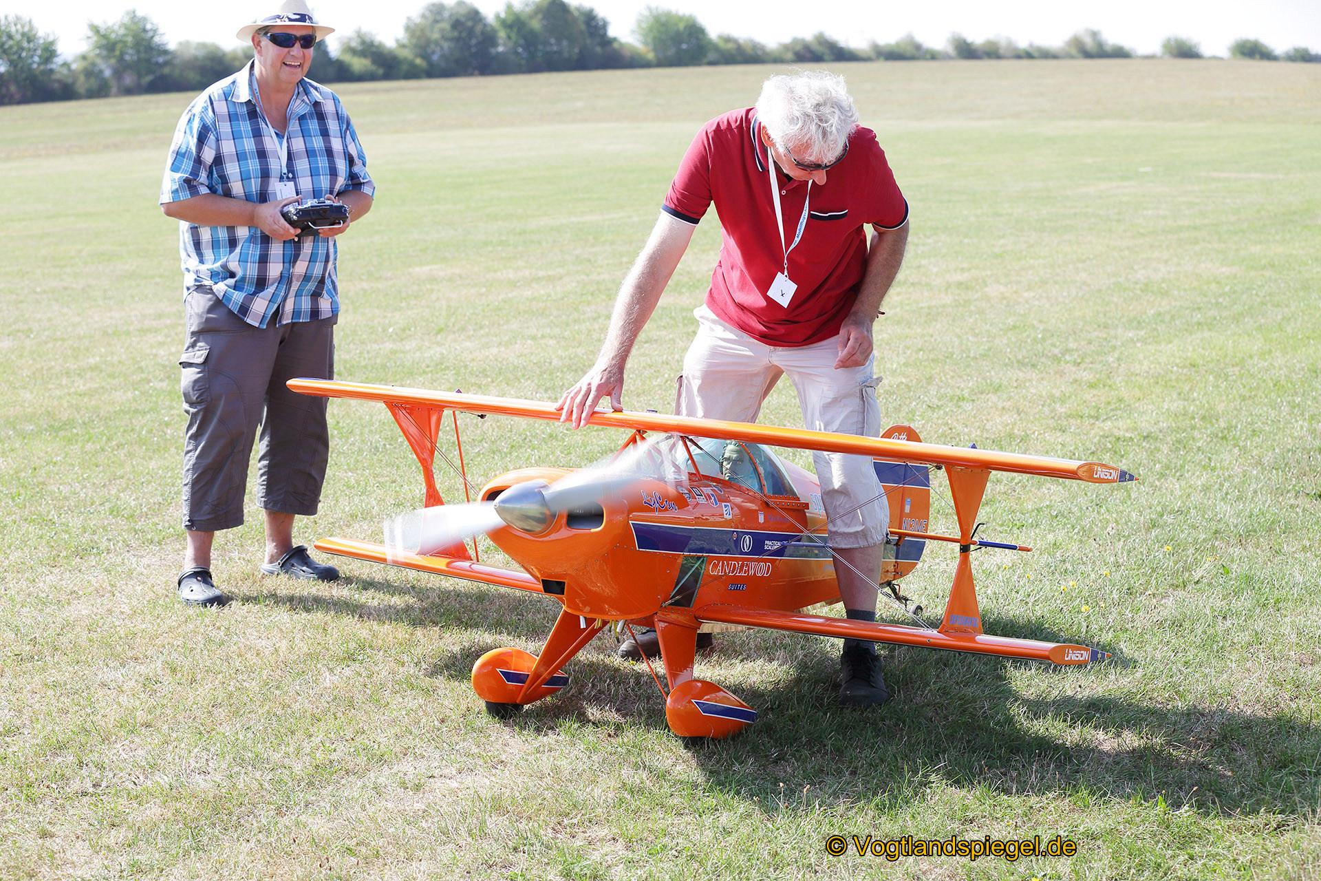 Modell-Flug-Show in Obergrochlitz