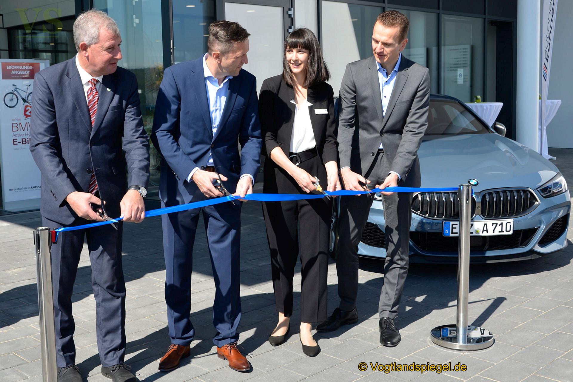Der Bandschnitt wurde von Langenwetzendorfs Bürgermeister Kai Dittmann, Ralf Kühnert, Katharina Kühnert und Tim Beltermann (v.l.) vollzogen.
