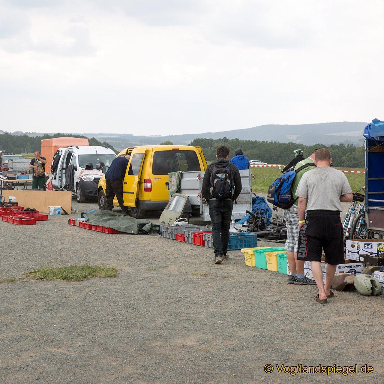 1.Ostfahrzeugtreffen auf dem Flugplatz Greiz-Obergrochlitz