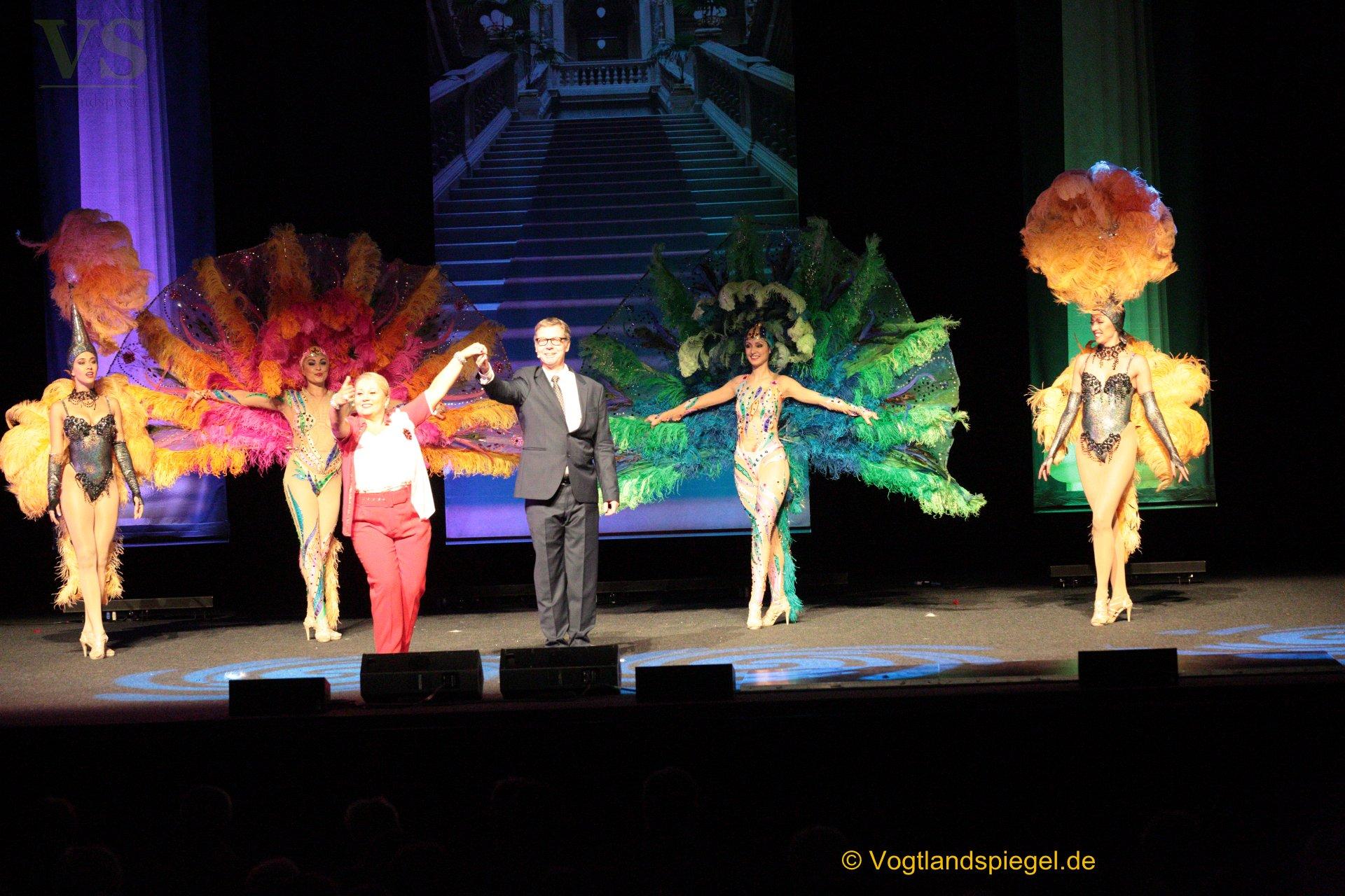 """""""Jetzt kommt die Süße"""" heißt das Musical um Helga Hahnemann, das am Sonntag in der Vogtlandhalle zur Aufführung gebracht wurde."""