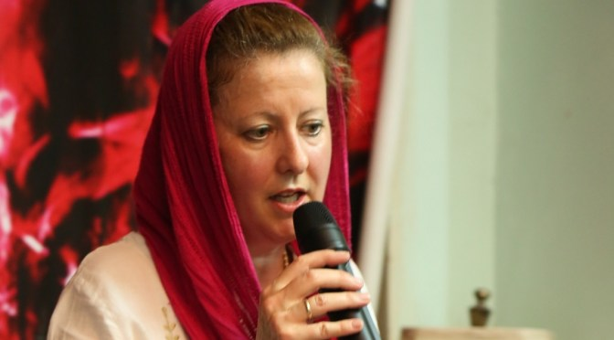 Sally speaks at Women's meeting in Lahore