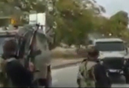 Palestinian Authority troops force Israeli Army vehicles to turn around in Jenin