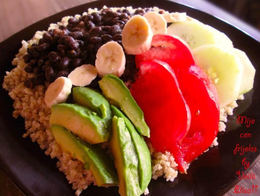 mijo-frijoles-negros-vegano-comida-cubana-vegana-aguacate-tomate-platano-pepino-sin-gluten