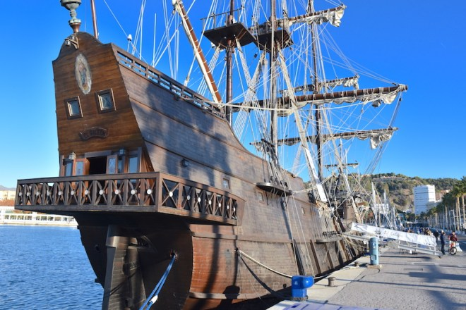 galeón andalucía puerto malaga muelle uno