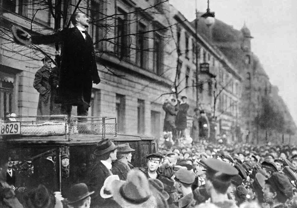 1919_liebknechtsparticists.jpg