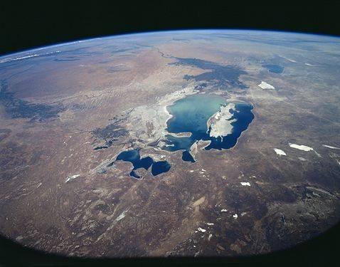 AralSea(1997)_NASA_STS085-503-119.jpg