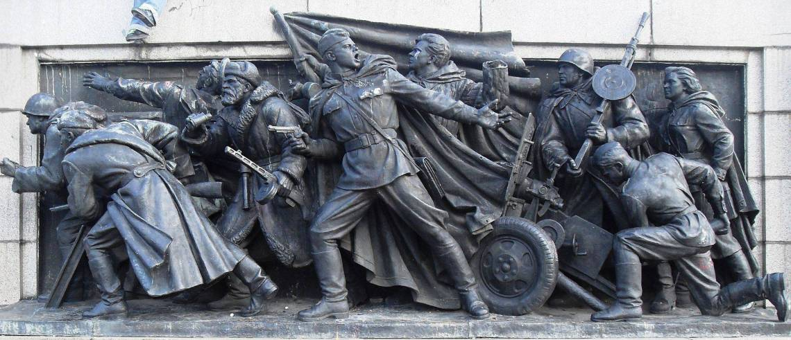 Monument_to_the_Soviet_Army,_bas-relief_at_the_column_foot._3