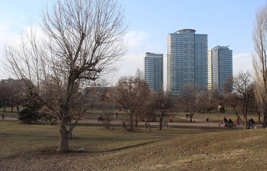 park_skyscraper_sofia_2018.jpg