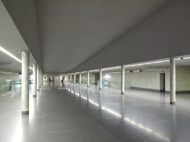 Intérieur de la station Sao Bento