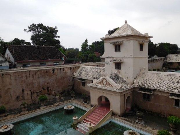 Bains des jardins du sultan depuis les toits (ils sont à quatre mètres sous le niveau du sol)