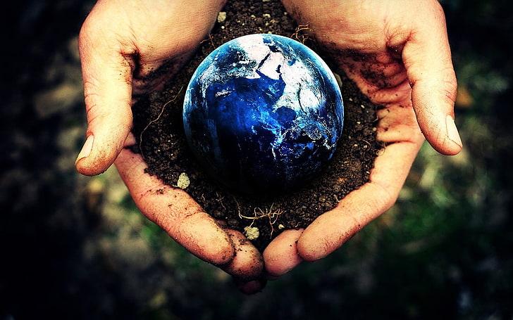 terre entre mains