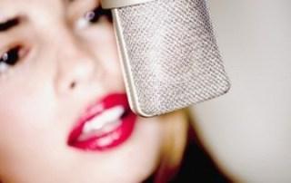 Voix off et micro