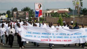 ក្រុមអ្នកកាសែតនៅក្នុងប្រទេស បូរុនឌី (Burundi) កំពុងប្រឆាំងនឹងច្បាប់ថ្មីមួយ។