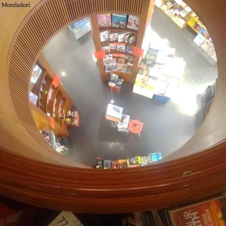 Rotte librarie. Libreria Mondadori. Trieste.