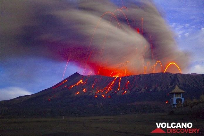 Bromo Volcano East Java Indonesia Eruption Feb 2011 Strombolian Activity Dense Ash Clouds Are Produced By Vulcanian Type Explosions In This Long Exposure Night Time Shot T Volcanodiscovery