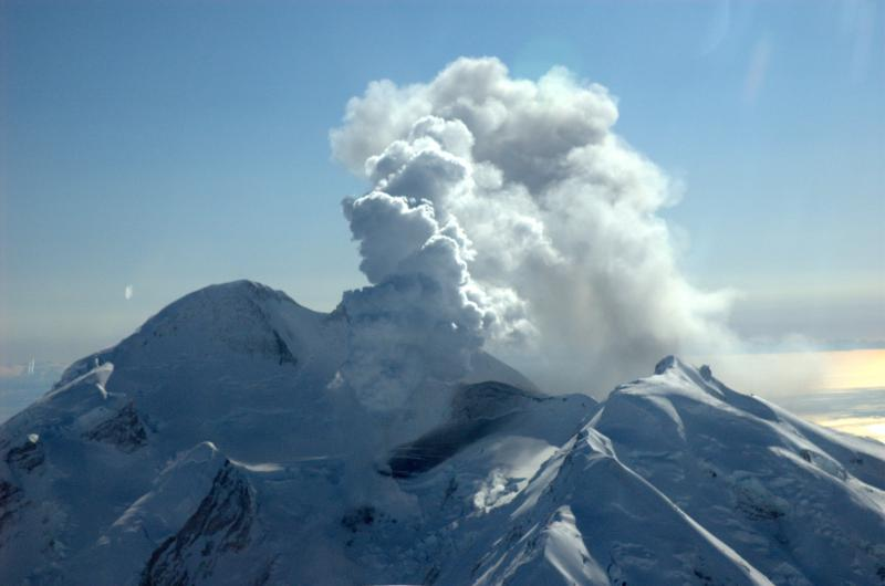 Alaskas Mount Redoubt erupts. Photo credit Bleick, Heather, Alaska Volcano Observatory / U.S. Geological Survey