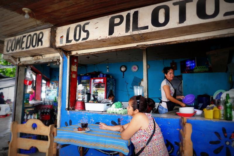 Daily life in Guatemala: comedor Los Pilotos in Puerto Barrios.