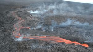 Lava channels flowing down eastern flank of Pu`u `O`o, Sept 23, 2011